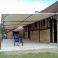 Toile PVC pour tonnelle de terrasse avec structure